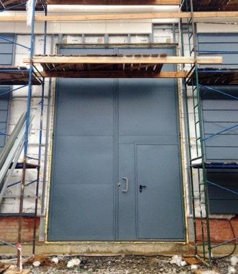 Двери и ворота для подстанции
